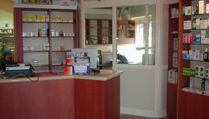 Negozi - Farmacia Roma